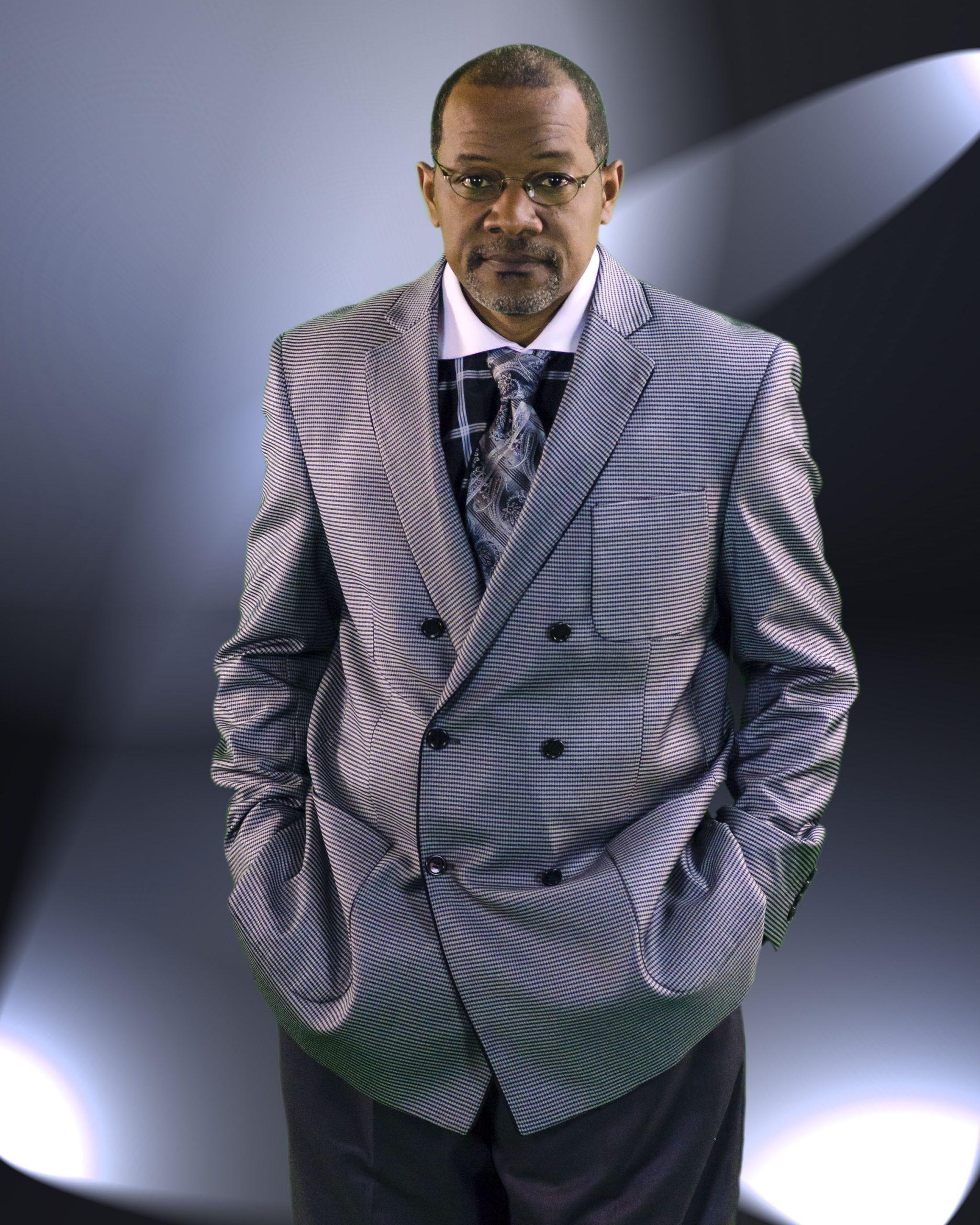 Pastor Shon Davis